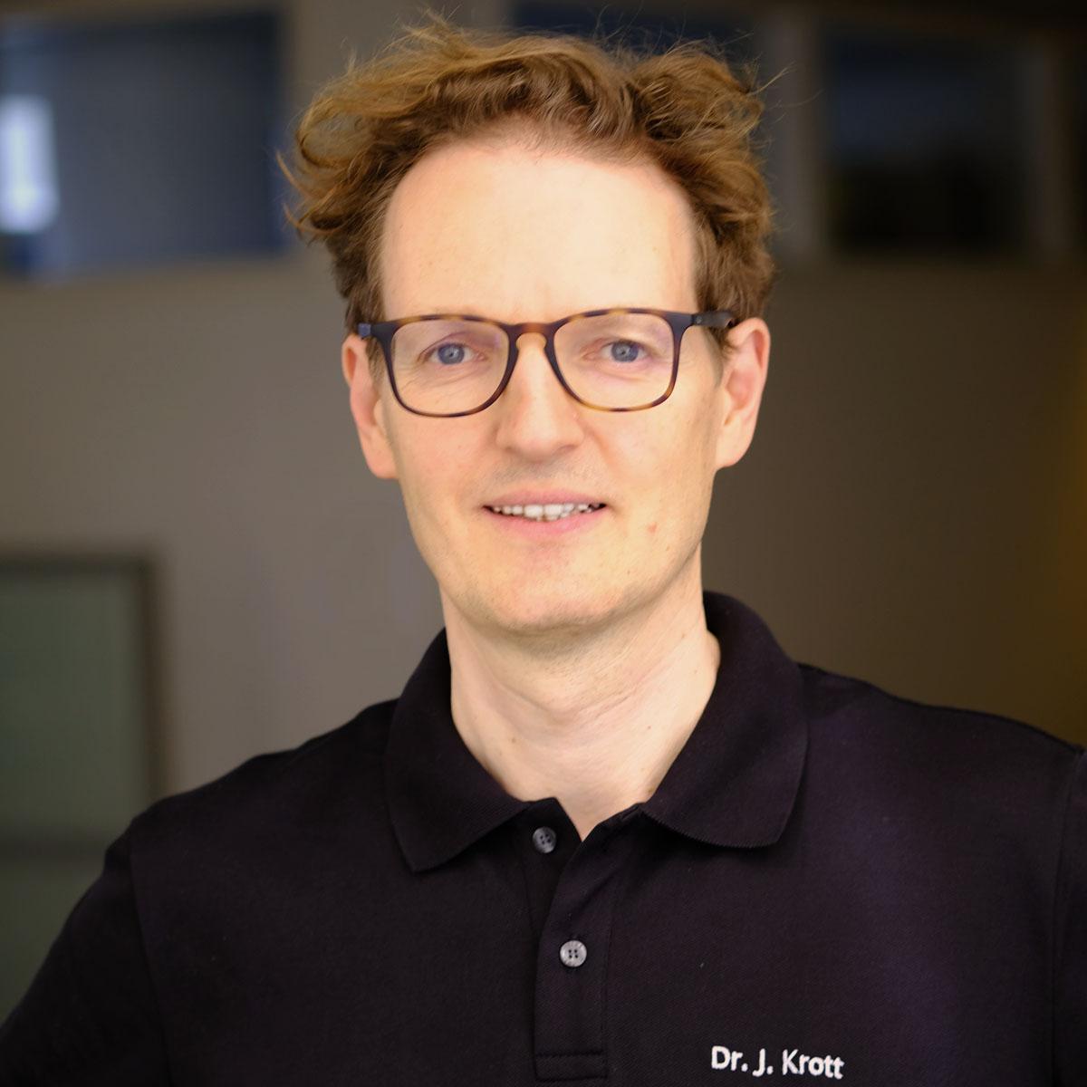 DR-MED-JULIAN-KROTT-NEU5